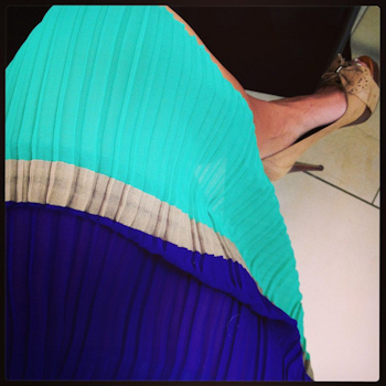 close up colorblock dress