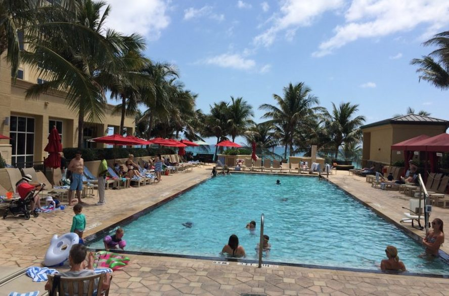 marriott palm beach pool