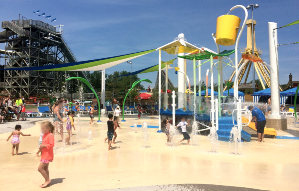 splash pad at valleyfair