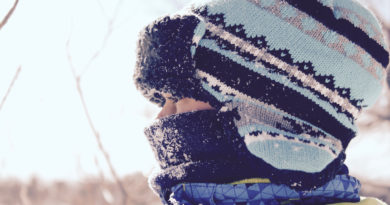 How to keep kids warm and safe in their car seat this winter